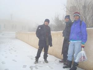 kelas tak ada, jadi kami ambil peluang keluar main salji